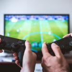 Campionatul de jocuri video, care va avea loc în octombrie în Bucureşti şi unde sunt aşteptaţi 15.000 de oameni, duce cererea în sus pentru hotelieri. Sunt aşteptate 18 echipe, iar numărul total al celor care vor viziona acest campionat este estimat la circa 80 de milioane de oameni, din întreaga lume